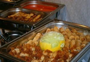Restaurant-Partyservice: Vorbereitungen (Vorspeise, Suppe)   Thai Tawan - Thailändische Gerichte für die Urlaubsregion Europa-Park Rust