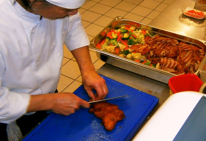 Partyservice-Vorbereitungen (Küche)