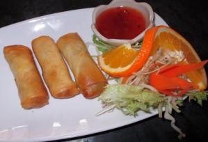 Restaurant-Speisekarte: Gemüse-Frühlingsrollen (Poh Pia Thod)