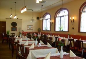 Restaurant: Sonntags- und Feiertagsgedeck | Thai Tawan - Thailändische Gerichte für die Urlaubsregion Europa-Park Rust
