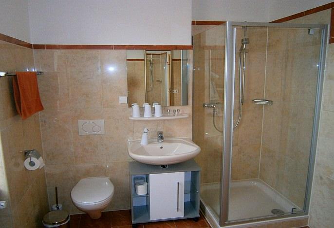 Dreibettzimmer: Badezimmer